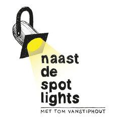 Naast de spot lights met Tom Vanstiphout